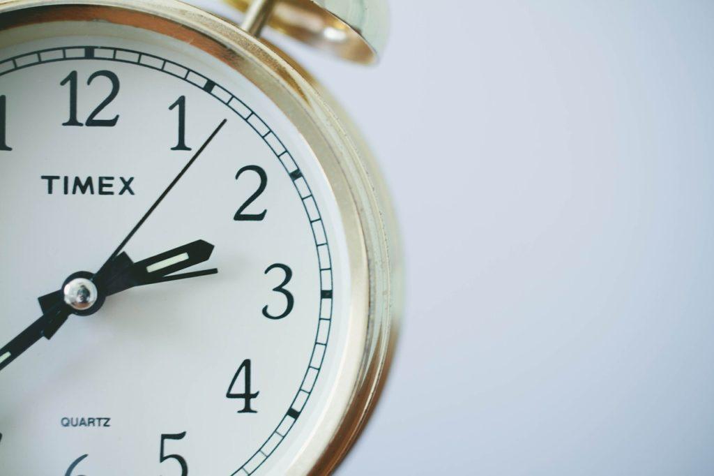Horloge affichant quelques secondes et illustrant le temps passé par les recruteurs pour analyser un CV