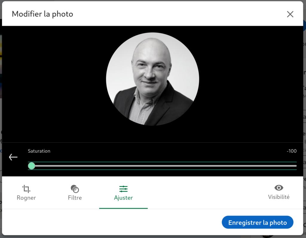 Changer sa photo de profil Linkedin en noir et blanc sur le site